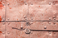 Metal il fondo industriale arrugginito arancione-chiaro con la pittura della sbucciatura Fotografia Stock Libera da Diritti
