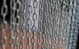 Metal kedjar bakgrund Arkivbild