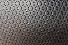 Metal kruszcowa siatka na szarość izoluje tło, Pustego z kopii przestrzenią dla teksta fotografia stock