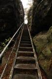 Metal las escaleras Foto de archivo libre de regalías