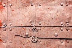 Metal le fond industriel rouillé orange-clair avec la peinture d'épluchage Photographie stock libre de droits