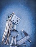 Metal les supports perforés de calibre de glissière de pinces de mâchoire de serrure Image stock