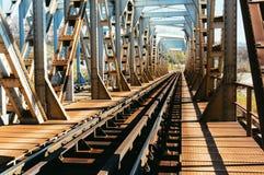 Metal linii kolejowej tunelu most Zdjęcie Royalty Free