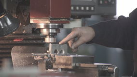 Metal a máquina de processamento vídeos de arquivo