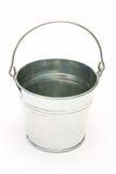 Metal o balde, cubeta em um fundo branco imagem de stock