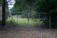 Metal ogrodowa brama Zdjęcia Royalty Free