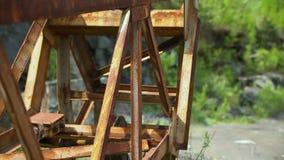 Metal oxidado en una mina de piedra metrajes