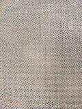 Metal produkcji siatka z małymi dziurami, srebny kolor, przeplata aluminiowych druciki zdjęcia royalty free