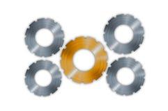 Metal przygotowywa cogs odizolowywających na bielu Zdjęcie Stock