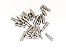 Metal substituível do bocal da chave de fenda principal diferenciado na ferramenta diversa do fundo branco fotos de stock royalty free