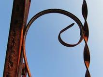Metal y cielo azul Imágenes de archivo libres de regalías