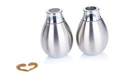 Metal Zucker- und Zimtzufuhr für Cappuccino Stockfotos