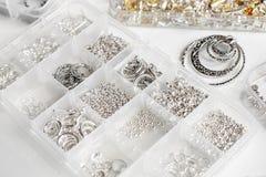 Metales para las joyas imagen de archivo