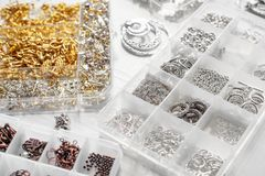 Metales para las joyas fotografía de archivo