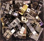 Metali talerze szczegół i części Płaskie stalowe wiosny i klamerki Fotografia Royalty Free