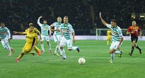 Metalist Kharkiv contra o fósforo de futebol rápido de Wien foto de stock