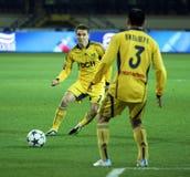 Metalist versus het voetbalgelijke van Metalurh Zaporizhya stock afbeelding