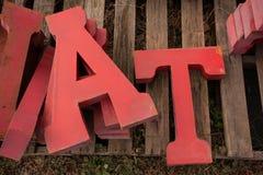 Metall an den Zeichenbuchstaben stockfoto
