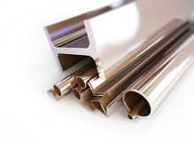 Metall leda i rör, metar, kanaler, fyrkanter Arkivfoto