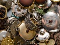 Metall stempelde oude knopen Stock Afbeelding