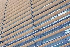 Metall-u. Holz-Vorhänge Stockfotos