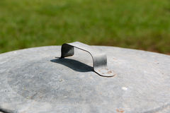 Metallabfalleimer-Deckel Lizenzfreie Stockfotografie
