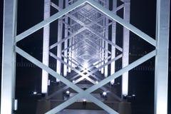 Metallaufbau der Brücke Stockbilder