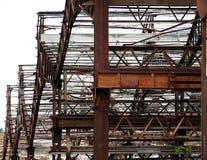 Metallbau einer verlassenen Fabrik Stockfotos