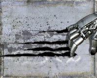 Metallcyborg-Roboterhand, die Wand zerreißt Stockfotografie