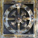 Metalldörrgarnering (den abstrakta naturmodellen) Royaltyfria Foton