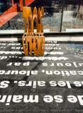Metallguß verrostete Stuhl Stockbild