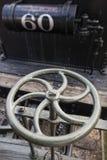 Metallhjul av ångalokomotivet Arkivfoton