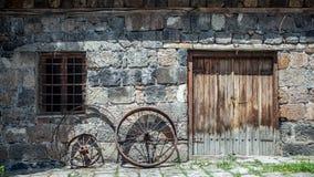 Metallhjul av en gammal bil Arkivbild