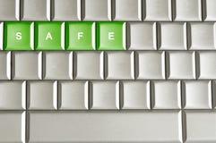 Metallische Tastatur mit dem Wort SAFE stockbild