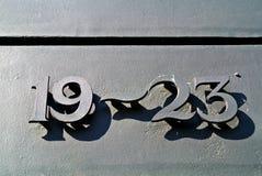 Metallische Zahlen auf der Tür Lizenzfreies Stockbild