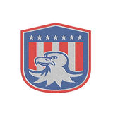 Metallischer amerikanischer kahler Eagle Head Flag Shield Retro Lizenzfreies Stockfoto