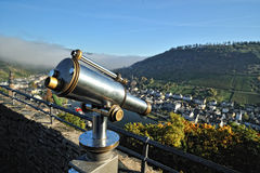 Metallischer Viewfinder vom Cochem Schloss stockfoto