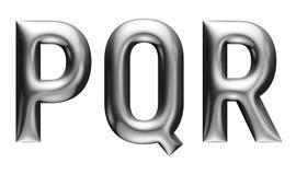 Metallisches Alphabet mit modernem Guss, Buchstaben P Q R, Chromeffekt mit Schrägfläche, weißer Hintergrund Stockbild
