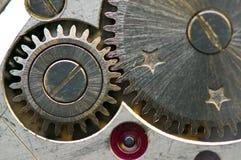 Metallisk bakgrund med metallkugghjul ett urverk Makro Arkivbilder