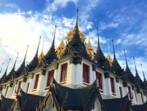 Metallisk slott, Wat Ratchanadda, Bangkok, Thailand Arkivbilder