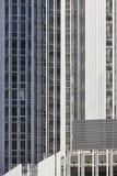 Metalliska moderna byggande fasader Samtida arkitektur stads- horisont arkivbilder
