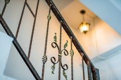 Metalliska räcke inomhus Royaltyfri Foto