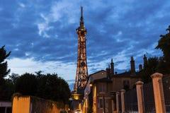 Metalliskt torn av Fourviere i Lyon Arkivbild