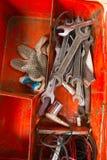 Metallkasten mit Werkzeugen nach innen Lizenzfreie Stockfotografie