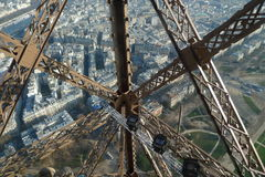Metallkonstruktion av Eiffeltorn Royaltyfri Bild