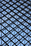 Metallkreuzweiser Fenster-Designhintergrund Stockfotografie