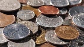 Metallmynt av olika länder av världen Bakgrund av mynt Royaltyfri Fotografi