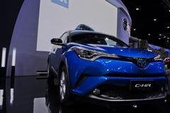 Metallo blu di Toyota C-HR all'Expo del motore Immagine Stock