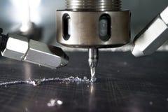 Metallo di CNC che lavora dal mulino fotografia stock
