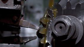 Metallo lavorante della macchina di CNC stock footage